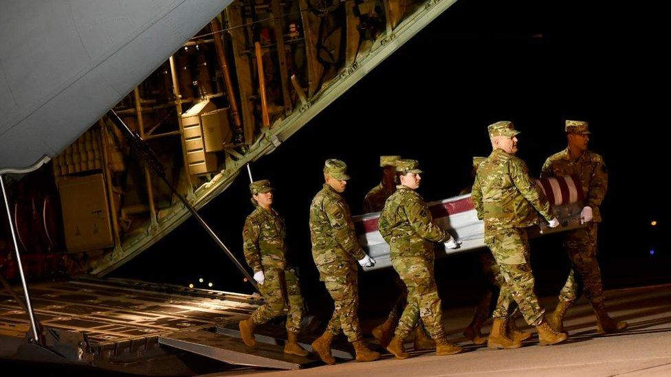 """بار أكد أن إطلاق النار الذي وقع في قاعدة بينساكولا البحرية الجوية الشهر الماضي """"كان عملا إرهابيا"""""""
